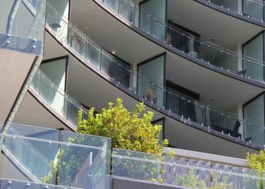 Manhattan Apartments, Civic
